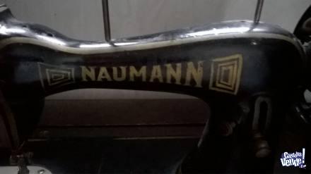 ANTIGUA MAQUINA DE COSER NAUMANN CON MUEBLE  $4900 en Argentina Vende