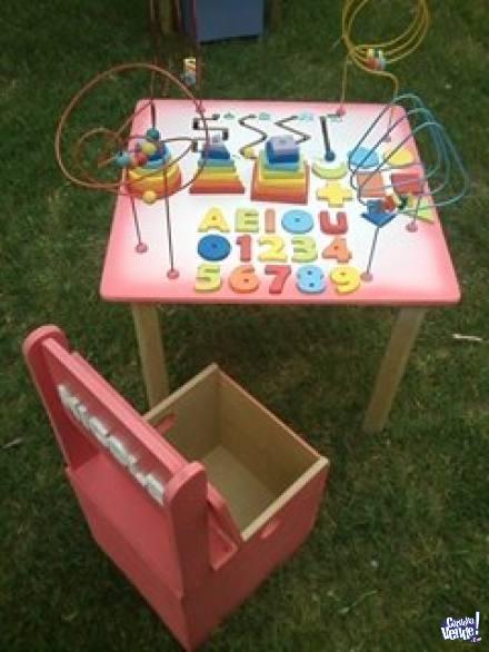 mesas didacticas con juegos y pronos + sillas personalizadas