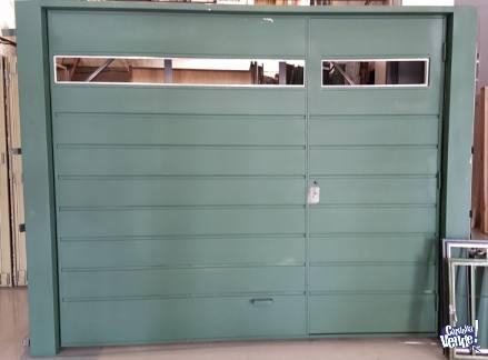 Portón levadizo 2,70 x 2,10 con lucera y puerta de escape en Argentina Vende