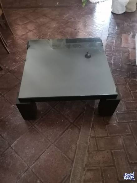 mesa ratona con vidrio de 100x100 cm