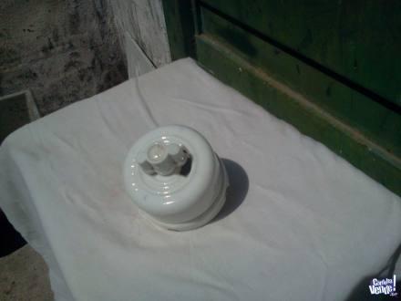 Llave bipolar de porcelana tiene mas de 80 años