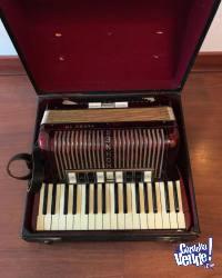 Hohner Tango IIM Diatonic Accordion - Rojo