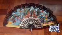 Abanico Español con motivos flamencos y puntilla