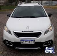 Peugeot 2008 Allure 1.6.  Modelo 2018
