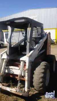 Minicargadora Scat Trak 1700C