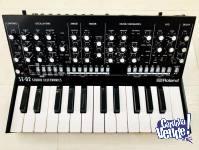 Roland Boutique SE-02 Analog synthesizer, K-25m Keyboard