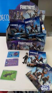 Muñecos y sobres sorpresas Fortnite