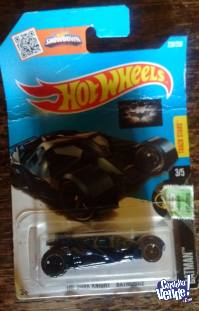 HOT WHEELS AUTO THE DARK KNIGHT BATMOBILE