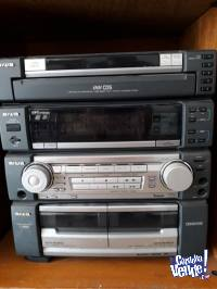 EQUIPO DE AUDIO AIWA 5 CDS C/ 2 BAFLES