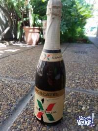 Antiguas Botellas Llenas Moscatel & Vino Fino Esmeralda