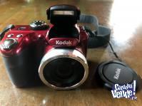 Camara digital Kodak Az252 c/memoria 32gb, bolso, pilas Sony