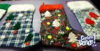 5 botas de tela navideña $100 cada unacon piel  para colgar