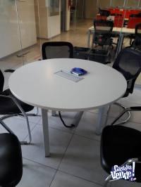Mesas redondas para reunión