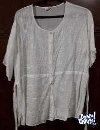 camisa made in India bordada con hilos de seda manga corta