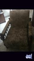 Vendo sillón de un cuerpo de algarrobo excelente estado
