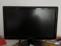 TV HD y monitor Samsung 19 pulgadas con control remoto