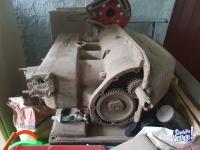 2 motores Ford A y 1 motor renault Gordini
