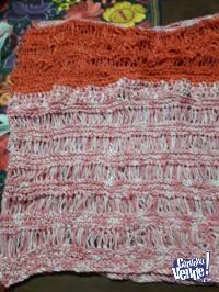 Remera de hilo rosa y coral cuello bote