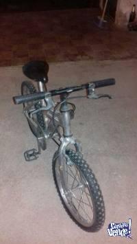 BICICLETA BMX CROMADA TOMASELLI ROD 20 MINA CLAVERO