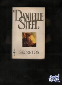SECRETOS  Danielle Steel   $ 250