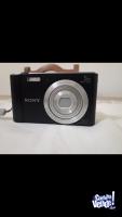 Cámara digital Sony W800 zoom 5x negra