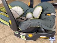 Silla para auto bebe/niño, marca Chicco.