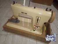 Maquina de coser Necar