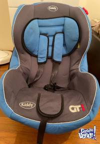 Silla de auto para bebés, usada en muy buen estado!