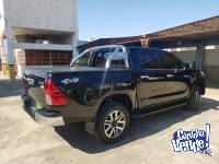 TOYOTA HILUX 4X4 FULL FULL  - MANUAL- IMPECABLE NEGRA