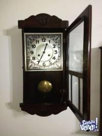 Reloj antiguo Aleman Junghans a péndulo con cuerda de siete
